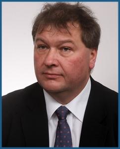Dr. Jarosław Czerwiński