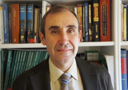 Dr. Amado Andrés
